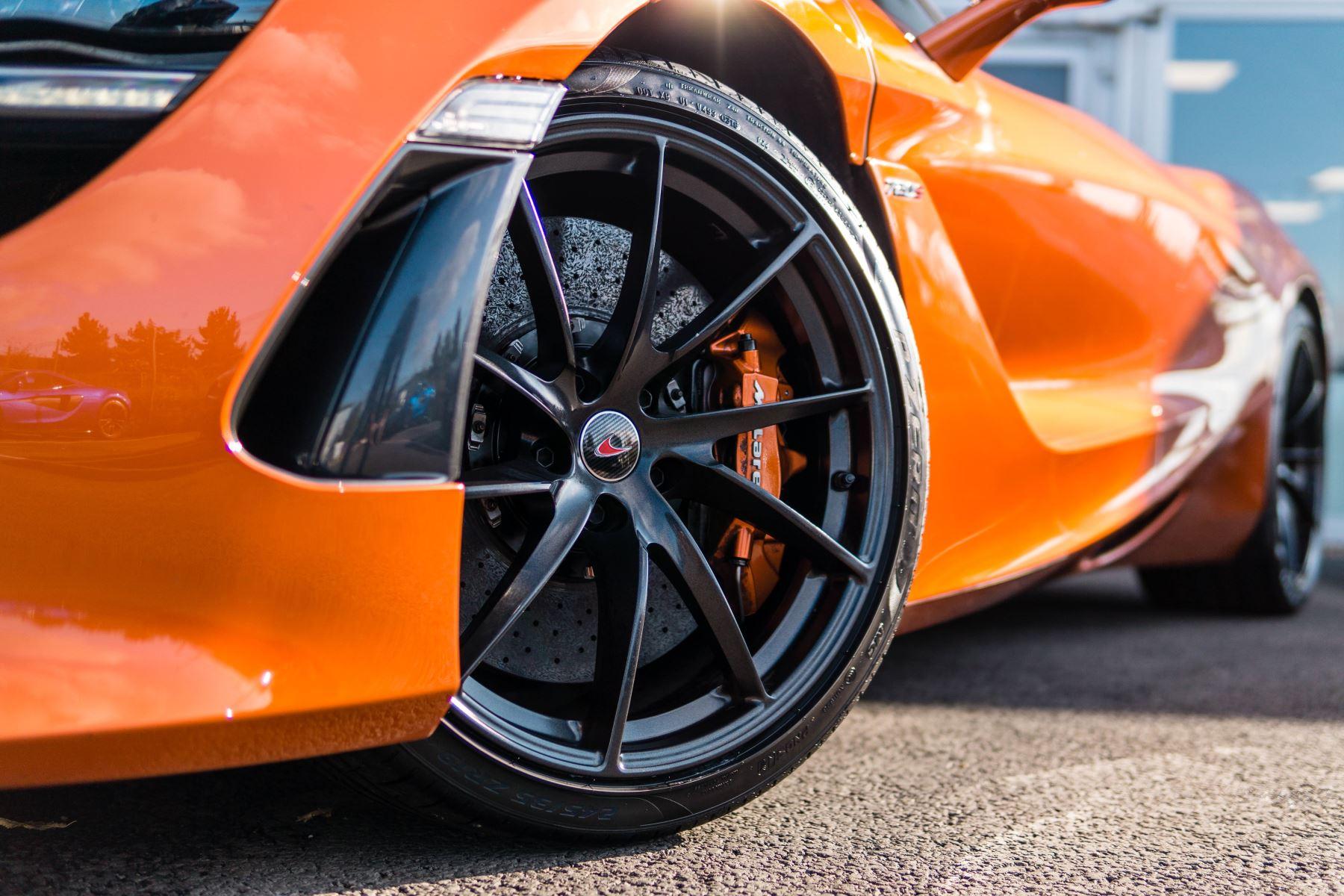 McLaren 720S V8 2dr SSG PERFORMANCE image 22